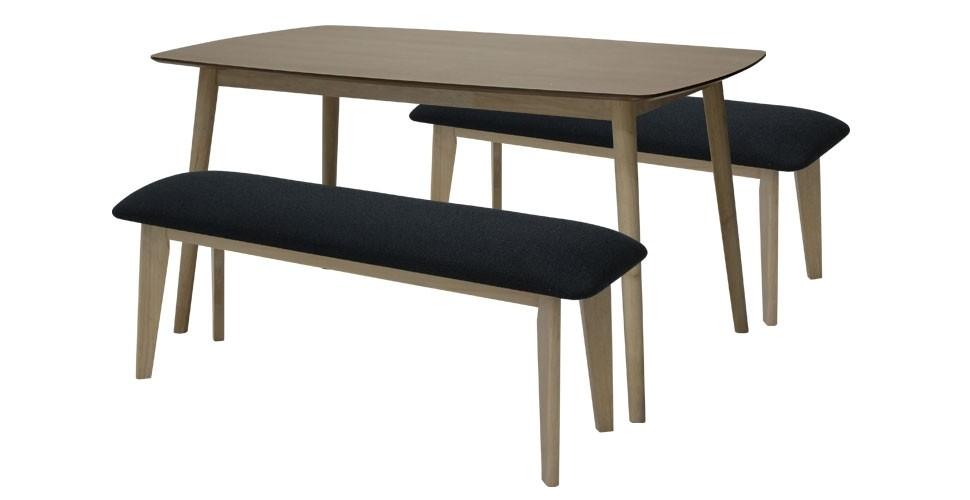 Izumi โต๊ะอาหารไม้ล้วน