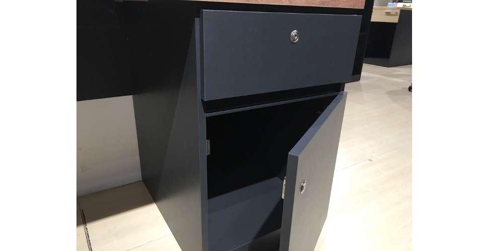 Ralphs โต๊ะทำงาน สีออทัมน์บราวน์ ขนาด 150 ซ.ม. สไตล์โมเดิร์น คอนเทมโพรารี
